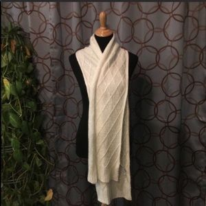 Old Navy Ivory Knit Sweater Scarf EUC